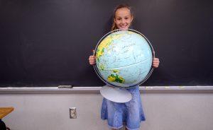 holding-globe